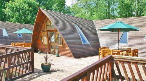 Lodge-900-105